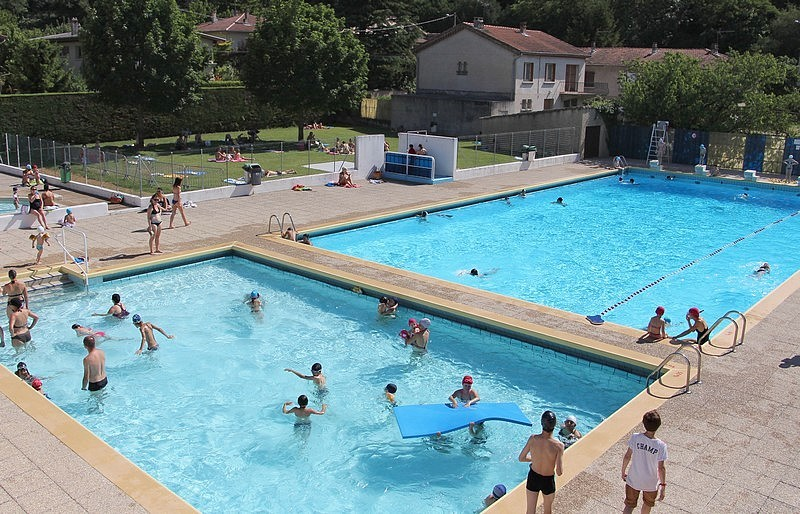 Dauphins de guilherand granges 07 piscine saint peray for Piscine 07500