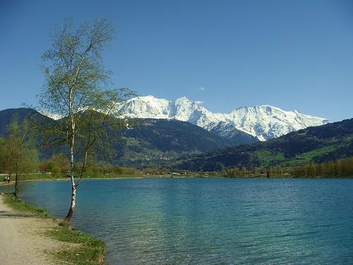 Vue du lac sur le massif du Mont Blanc