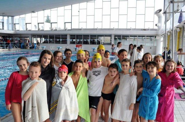 Cn melun val de seine 2eme coupe de noel la jeune garde for Club piscine repentigny noel