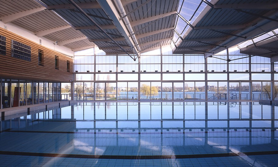 Vue intérieure de la piscine de Viry-Châtillon