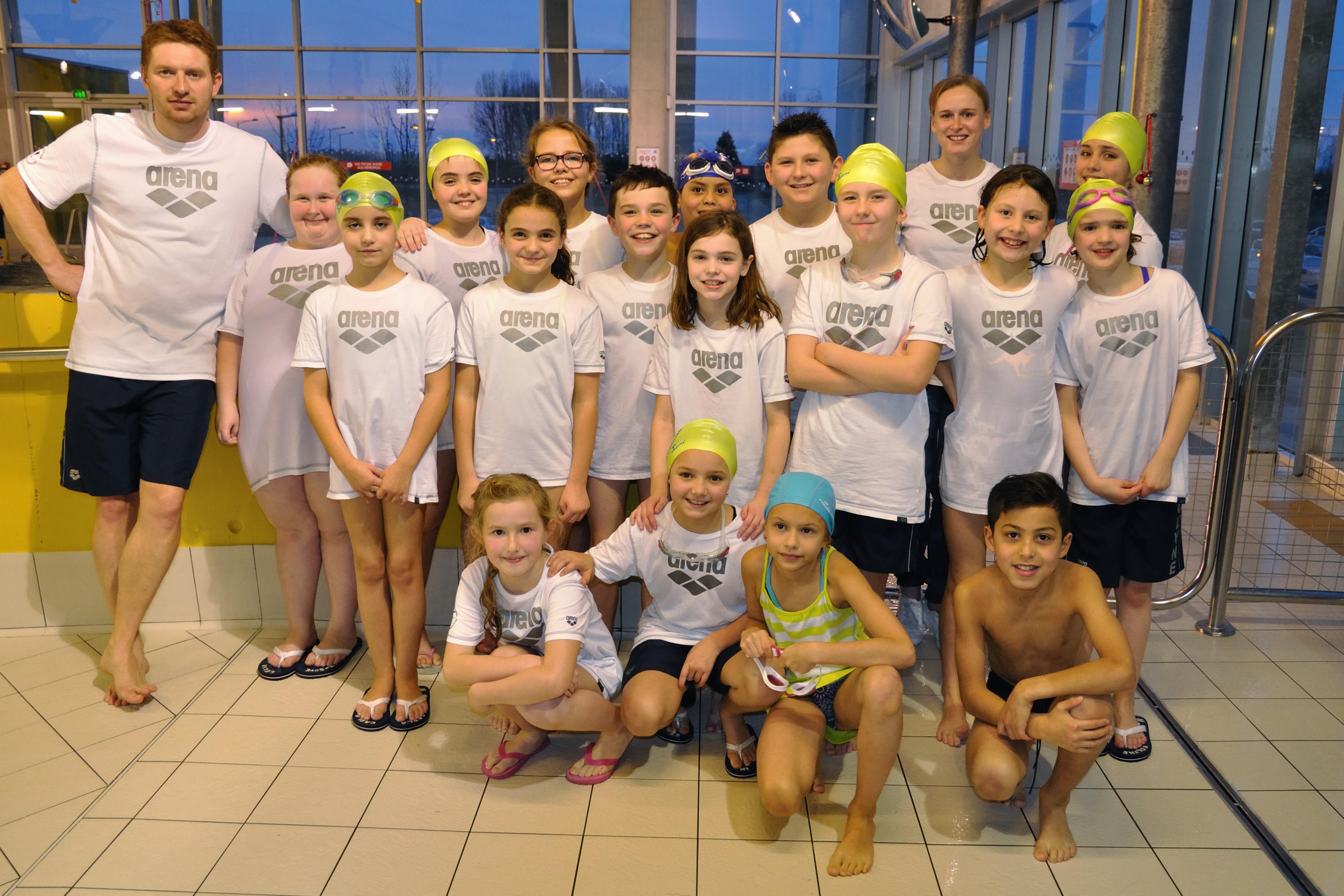 Dauphins wattrelos natation 2 eme journ e avenirs for Piscine herlies